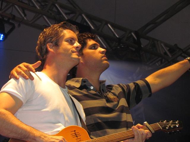 Victor e Léo em Tailândia