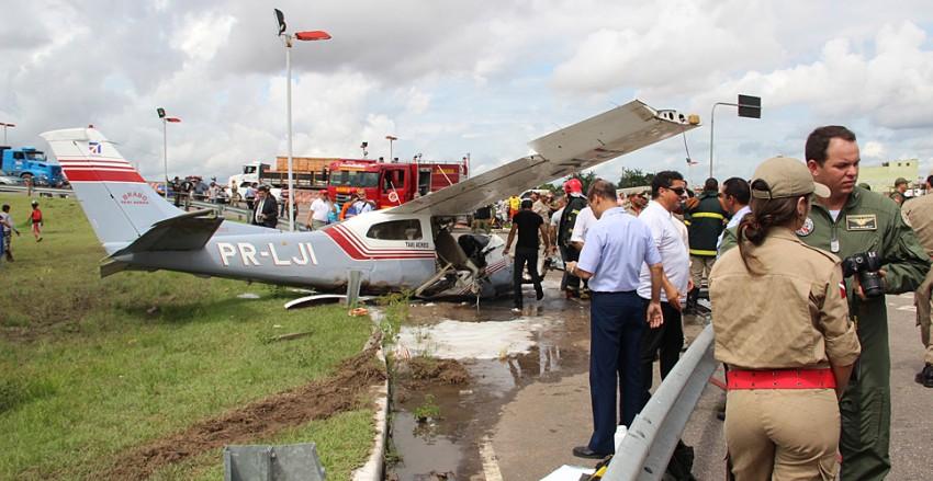 aviao-acidente~1