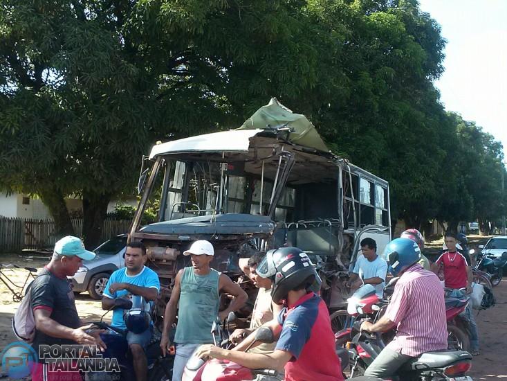 acidente-micronibus-3 (4)~1