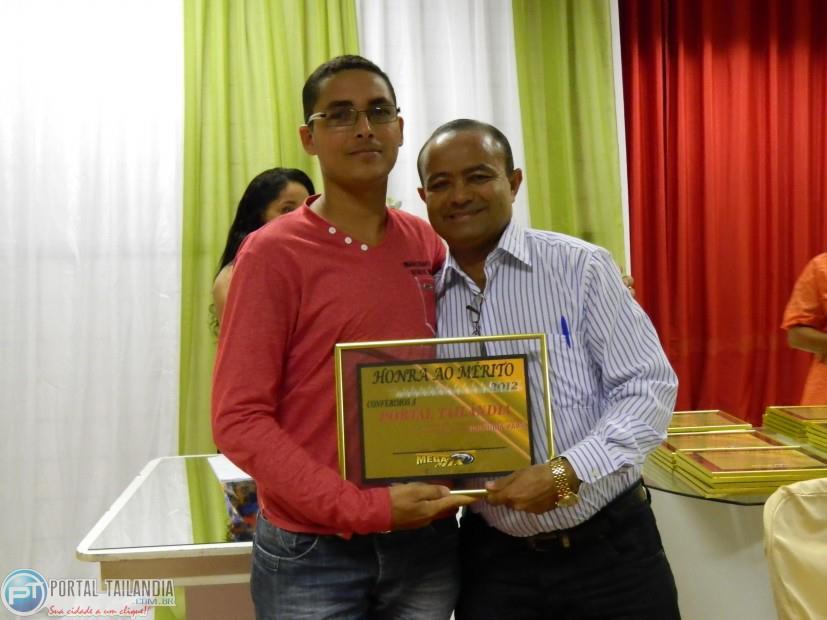 portal-tailandia-recebe-premio-de-melhor-do-ano-do-prefeito-rosinei-pinto