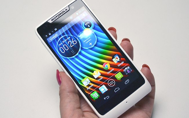 Smartphones dual chip atualmente à venda no Brasil ...