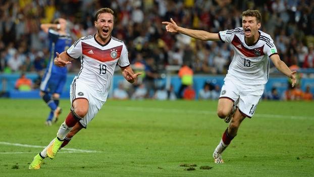 Gotze vibra após marcar o gol que deu o tetracampeonato à Alemanha (Foto: GETTY)