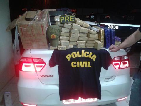 Droga foi flagrada quando seria atravessada de balsa para Belém. (Foto: Divulgação/Polícia Civil)