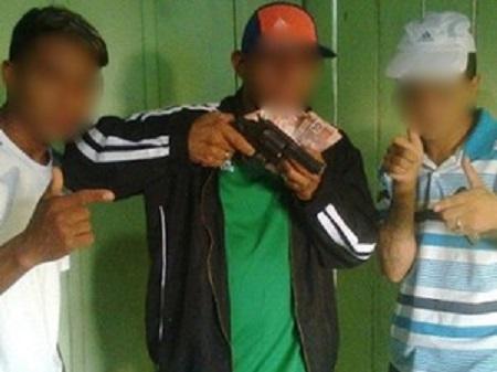 Grupo publicava fotos com armas e objetos de furto em redes sociais. (Foto: Divulgação/Polícia Civil)