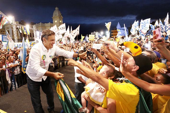 Aécio Neves seria eleito presidente do Brasil se a eleição fosse hoje, afirma Sensus