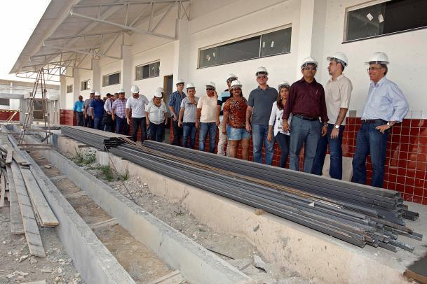 A visita da comitiva foi concluída com a vistoria nas obras de construção de uma nova escola de doze salas de aula no bairro Fluminense, em Tailândia