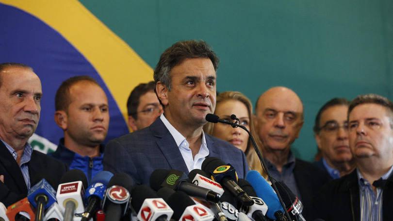 Candidato presidencial do PSDB, Aécio Neves, durante um discurso após o resultado da eleição, em Belo Horizonte (Foto: divulgação)