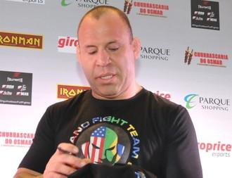 Wanderlei Silva participou de tarde de autógrafos nesta quarta, em Belém (Foto: GloboEsporte.com)