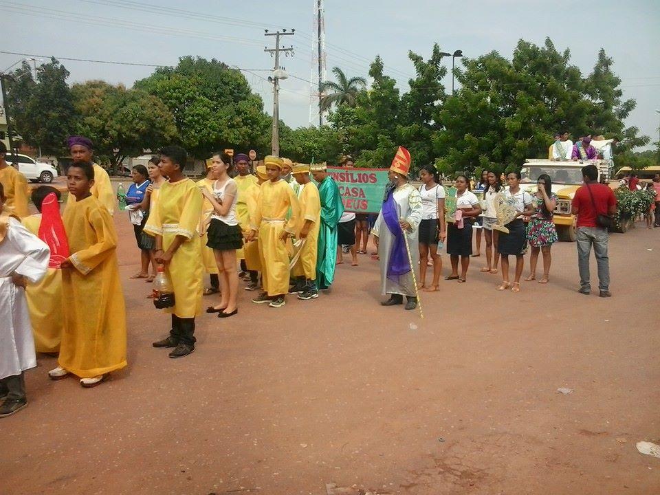 Dezenas de pessoas se vestiram como personagens bíblicos