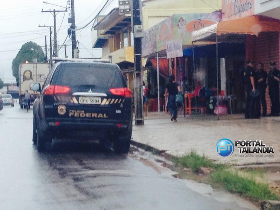 Viatura da Polícia Federal durante a Operação Rastreio desencadeada em Tailândia (Foto: portal Tailândia)