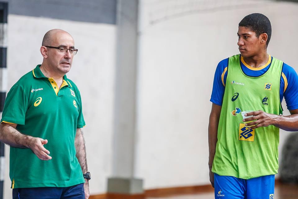 Pará com o técnico da Seleção Adulta, Jordi Ribera (Foto: divulgação)