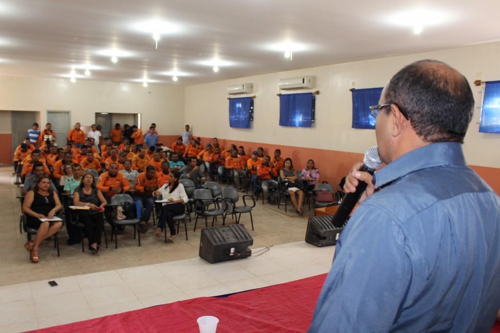 Prefeito Ney da Saúde discursa durante o evento. (Foto: Otoniel Oliveira Ascom/PMT)