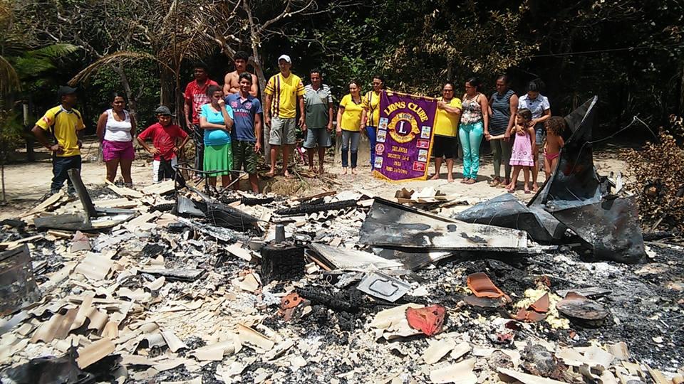 Casa ficou completamente destruída  na Vila São Benedito, em Tailândia (Foto: Lions Clube)