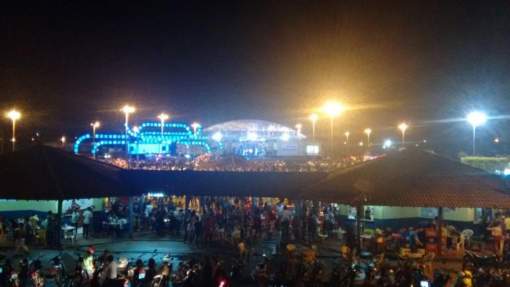 Vista geral do show do Búfalo do Marajó no Ginásio Municipal em Tailândia na noite deste sábado, 09.