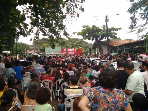 Professores querem negociar com o governo do estado. (Foto: Divulgação/Sintepp)