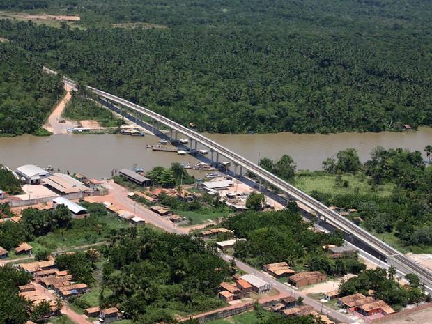 Ponte de Igarapé-Miri, na rodovia PA-151, vai melhorar o acesso a municípios do Baixo Tocantins. (Foto: Antônio Silva/ Agência Pará)