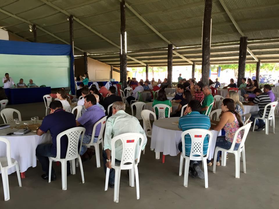 Dezenas de pessoas ligadas à entidades locais e produtores compareceram (foto: Josenaldo Jr / Portal Tailândia)