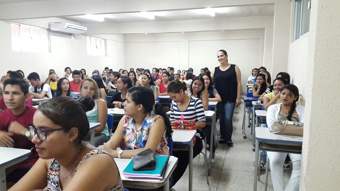 240 jovens alunos e ex-alunos da rede pública participam da iniciativa (foto: Renato Barreto)