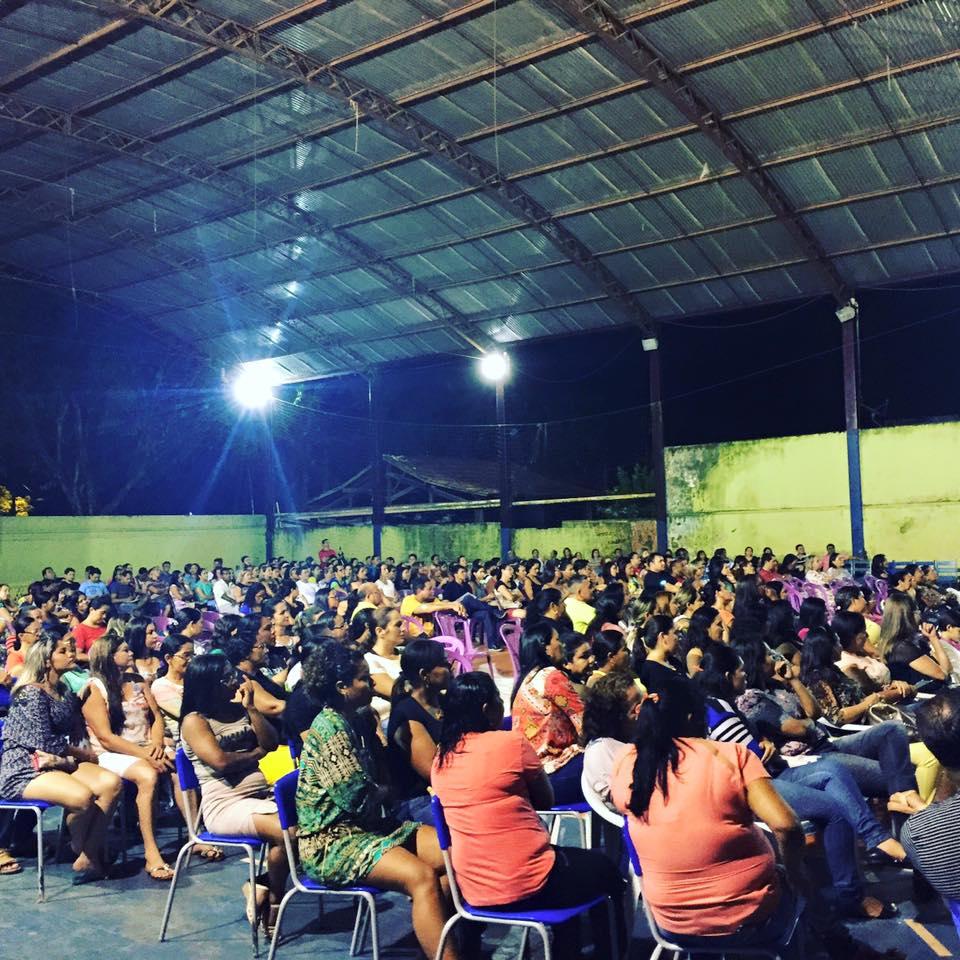 Dezenas de professores compareceram para ouvir e fazer sugestões ao projeto. (foto: Josenaldo jr / Portal Tailândia)