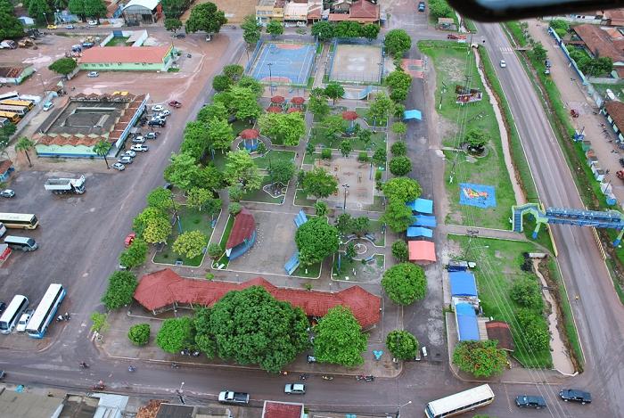 Imagem aérea da praça do Povo de Tailândia (foto - Gildásio Filho - Arquivo Portal Tailândia)