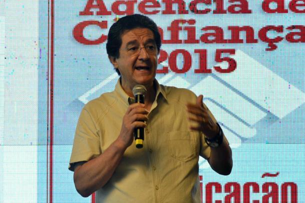 O jornalista Ricardo Viveiros abriu a programação no segundo e último dia de evento, com a palestra 'Gerenciamento de Crises na Área da Comunicação'